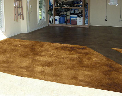 ColorJuice Caramel, which was spray-applied to this garage floor, allows the natural character of the concrete to show through.
