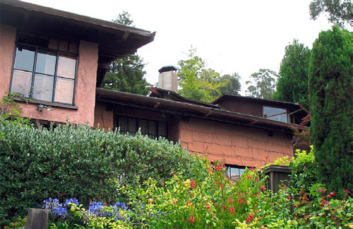 """Bernard Maybeck's """"Sack House,"""" Berkeley, Calif. Fireproof walls were constructed of Bubblecrete - burlap sacks were dipped in a washing machine filled with a frothy solution of cement paste, then were hung on steel strand and chicken wire strung between studs."""